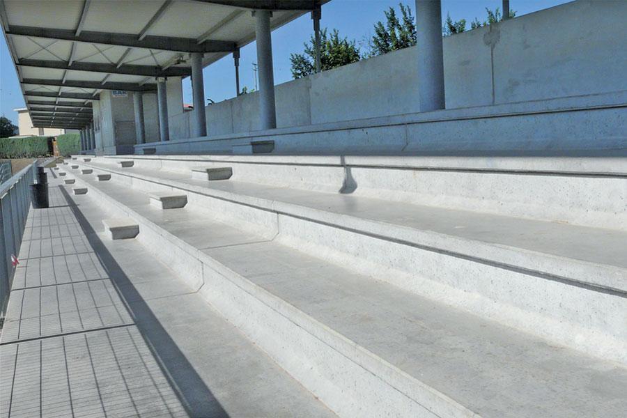Gradinate prefabbricate in cemento e tribune per impianti - Gradini in cemento per esterno ...